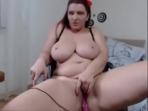 Chubby Mature Woman Masturbates Her Hairy Pussy On Cam