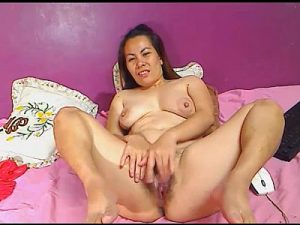 Seductive Asian Cam Milf Goes Nude And Fingers Her Hairy Pussy