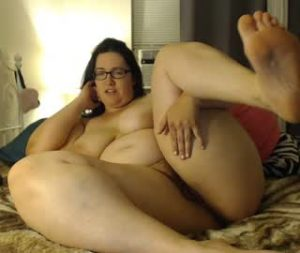 Fat Divorced Lady Is Horny As Hell On Porn Cam