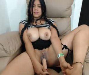 Sexy Busty Cam Slut Masturbates Her Vagina