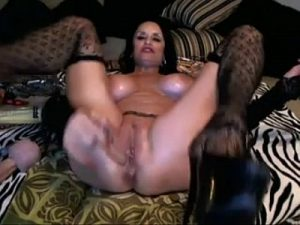 Horny Mature Woman Toys Her Sexy Pussy And Eats Her Own Cum On Cam