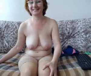 Russian Mature Woman Ksenia Goes All Naked On Webcam Show