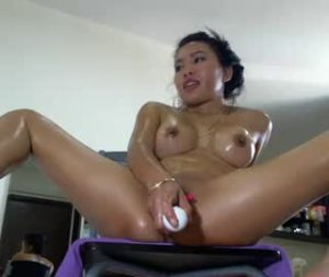 Horny Asian Cam Model Nichole Toys Her Fanny