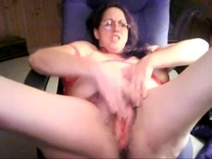 Busty Mature Woman Fingers Her Hairy Pussy On Free Cam