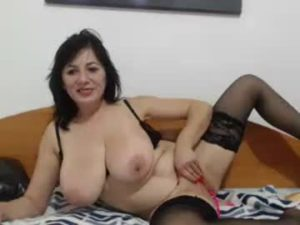 Mature Lady With Big Natural Breasts Jessy Masturbates On Live Cam