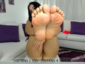 Curvy Latina Babe Samy Exposes Her Big Tits, Hot Soles And A Pussy