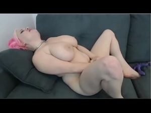 Midget Girl Lisa Fucks Herself With A Toy On Porn Cam