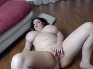 Pale BBW Sofia Plays With Her Fat Pussy