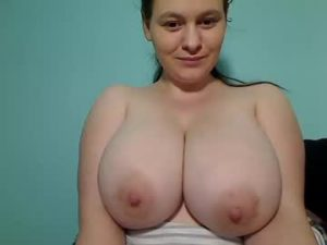 Busty European Wife Larisa Gets Topless For You