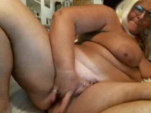 Mature BBW Kay Finger Fucks Her Pussy
