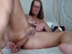 Mature Cam Slut Jess Rams Her Fat Ass And Pussy With Sex Toys