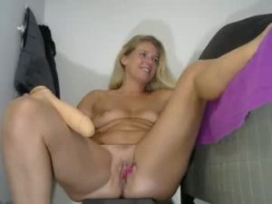 Married Milf Zoe With A Sexy Curvy Body