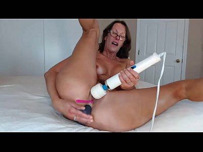 Sexy Mature Woman JessRyan Masturbates Her Ass And Pussy
